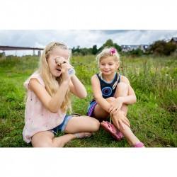 Kaléidoscope enfant Huckleberry avec deux petites filles assises