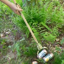 Pince à déchet enfant en bois Huckleberry action