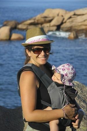 587b90da8344 Comment habiller bébé dans un porte bébé