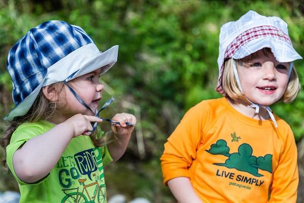 04740ece3f9572 Comment protéger bébés et enfants du soleil à la plage et en montagne