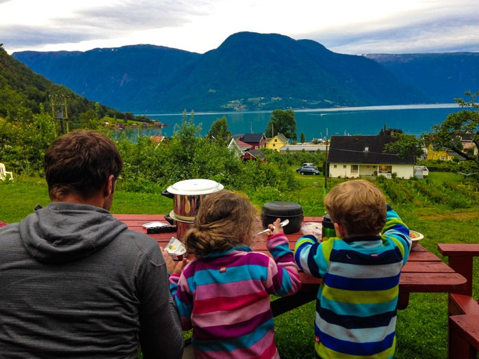Voyage-Norvege-enfants-camping
