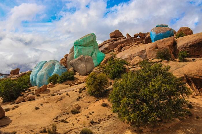 Voyage-famille-Maroc-anti-Atlas-roches-peintes-Tafraout