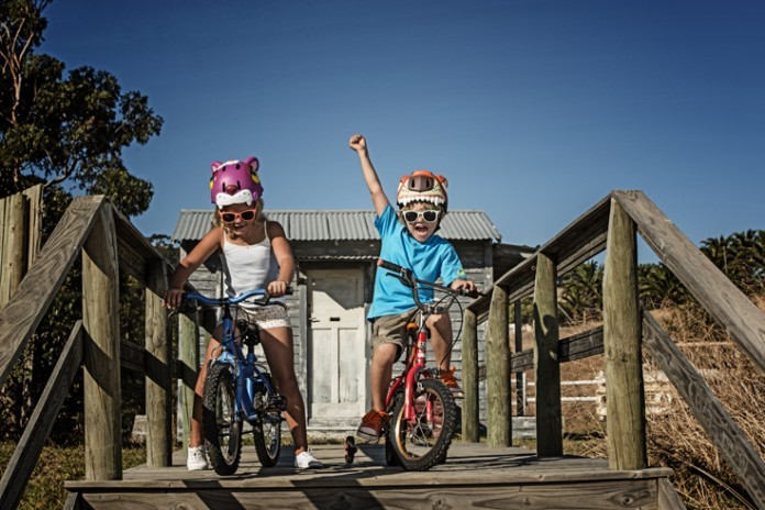 le casque v lo est obligatoire pour les enfants de moins de 12 ans. Black Bedroom Furniture Sets. Home Design Ideas