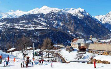 Front de neige de la station de Serre-Eyraud dans le massif du Champsaur