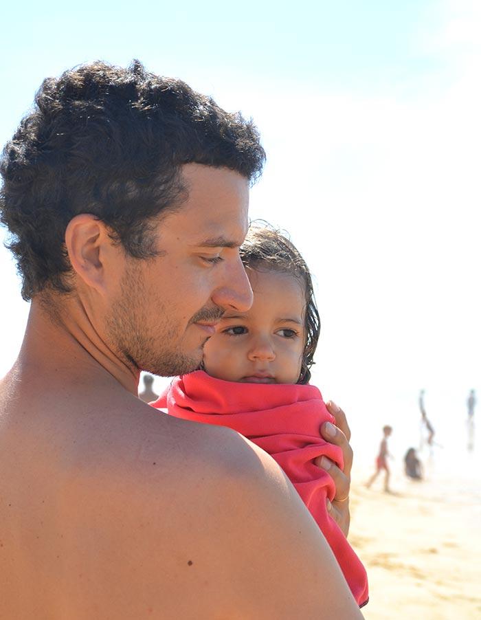 Sébastien et Apolline sur la plage de Vieux-Boucau-les-Bains