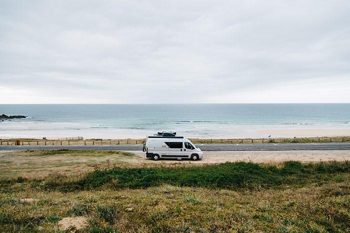 van sur la Route du Soleil en Bretagne