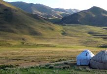 paysage kirghizistan nature yourtes montagnes sauvage