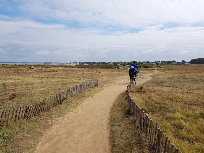 Balade vélo famille bretagne mer