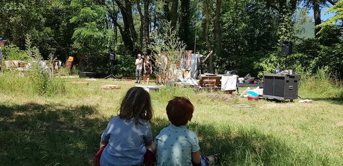 repetition du spectacle devant les enfants
