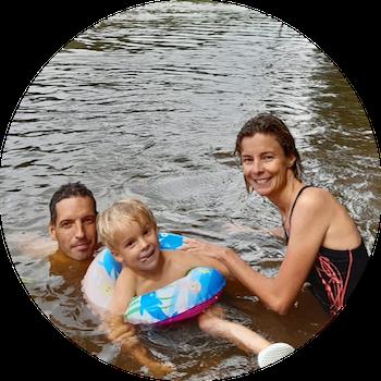 photo de famille dans les rivières de guynane