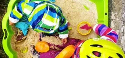 5 idées d'activités d'extérieur à faire sous la pluie avec les enfants