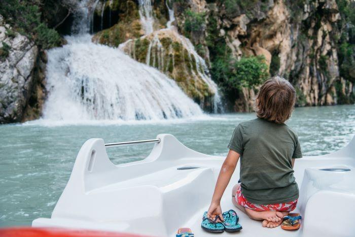 enfant cascade lac st croix verdon