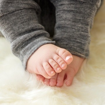 Pas simple d'habiller les mini-oursons 🐻 l'hiver ❄ ! 🤔  Il faut leur apporter de la chaleur, mais pas trop, et tout en douceur 🥰  👉 Chez Les Petits Baroudeurs, vous trouverez des vêtements en laine mérinos. Une matière naturelle idéale pour les petits bouts : ➡ régule la température ➡ toute douce ➡ respirante ➡ chaude même mouillée  Retrouvez tous nos produits en mérinos dans notre lien en bio 👆👆👆  #merinos #baby #winter #naturel #legowear #reima #manymonths #petitsbaroudeurs